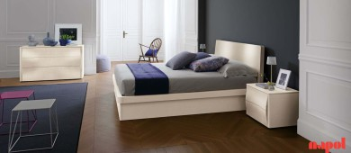 Open pore lacquered bedroom suite