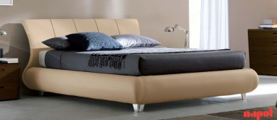 Charme upholstered leather bed