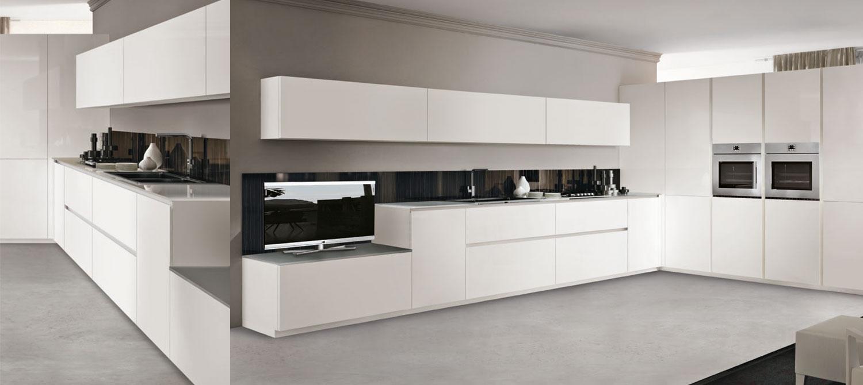 Plus minimal gloss white lacquered kitchen